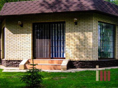 Трехплоскостное окно